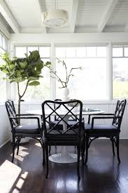 Tulip Table And Chairs The Set Of Saarinen Tulip Table Loccie Better Homes Gardens Ideas