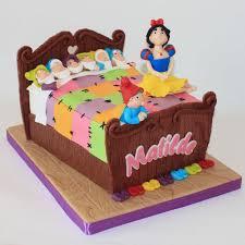 104 best snow white cakes images on pinterest snow white cake