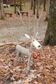 log reindeer 16 diy front yard christmas decorating projects logs craft and