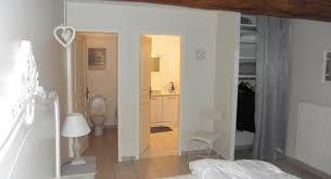 maison et travaux chambre création d une salle de bain et sanitaire dans la chambre