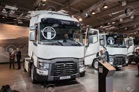 renault trucks 2014 renault range t truck at the 65th iaa commercial vehicles fair