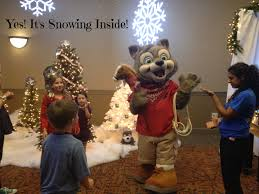 celebrate the holidays at great wolf lodge