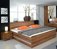 chambre a coucher moderne en bois chambre a coucher chene massif moderne beau meubles de chambre a