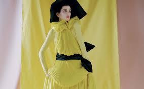 moda primavera estate 2017 e look vintage il colore giallo ieri e