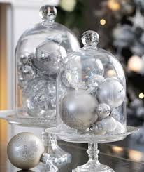 White Christmas Decoration Ideas by Best 25 White Christmas Decorations Ideas On Pinterest White