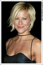 how to grow out layered women s hair into bob best 25 growing out inverted bob ideas on pinterest long