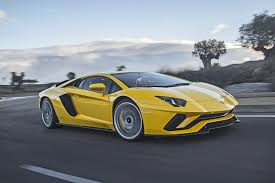 watch a lamborghini aventador s pull a stunt straight out of u0027top