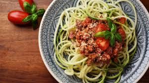 comment cuisiner la courgette spaghetti comment faire des spaghettis ou des tagliatelles de légumes