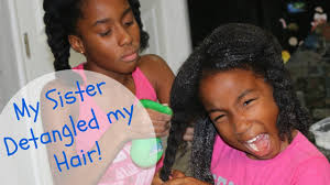 Hairstyles For 11 Year Olds 11 Year Old Detangles Her Sister U0027s Hair Like A Pro Youtube