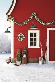 Outdoor Christmas Decorations To Make Yourself by 36 Country Christmas Decorating Ideas How To Celebrate Christmas