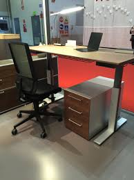 figure out the right desk height for optimal working conditions