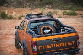 chevy concept truck chevy colorado extreme concept tail gate the fast lane truck