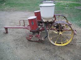 can anybody id this ih planter farmall u0026 international
