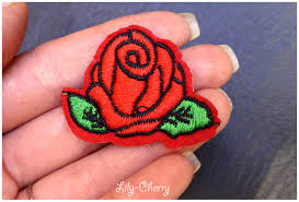 deco pin up patch écusson brodé thermocollant petite rose rouge pin up x1