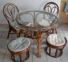chaises en osier table ronde osier plateau verre 2 chaise 2 tabouré
