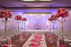 Hindu Wedding Supplies Mandap In Tulsa Ok Indian Wedding By Klk Photography Maharani