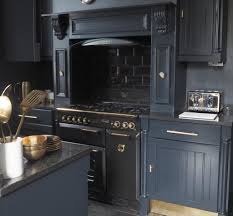 best paint to paint kitchen cabinets uk the best brand of paint for kitchen cabinets raspberry