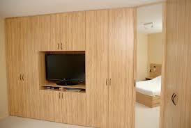placard chambre lit avec placard integre la chambre avec un lit oriente