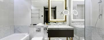 Schlafzimmer Und Bad In Einem Raum Hotels Und Veranstaltungsorte In Budapest Hilton Budapest Hotel