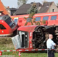 Bad Lausik Kollision Mit Auto Viele Verletzte Bei Zugunglück In Sachsen Welt