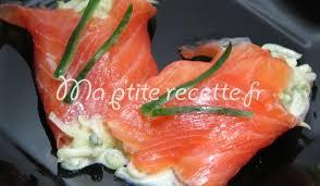 cuisiner le saumon fumé cornet de saumon fumé au concombre recette entrée saumon et concombre
