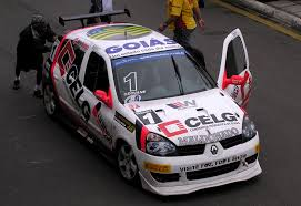 renault clio rally car file renault clio copa clio brasil w racing jpg wikimedia commons