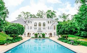 Cool Houses With Pools Pretty White House Love The Hugee Pool Dream Home Pinterest