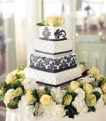15 elegantly chic wedding cakes modwedding