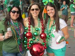 parade throws tips for st s day parade in new orleans new in nola