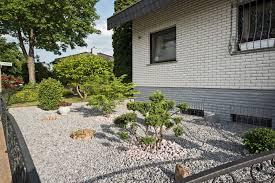 Gartengestaltung Mit Steinen Und Grsern Modern Gartengestaltung Mit Kies Bilder U2013 Spinjo Info