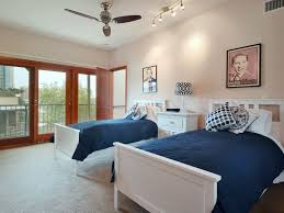 Two Twin Beds by City View Austin Penthouse On West 6th Stre Vrbo