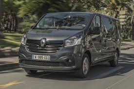 renault trafic 2017 nine seat renault trafic spaceclass van introduced auto express