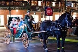 easton town center holiday carriage rides