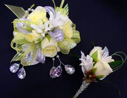 prom corsage and boutonniere prom corsage boutonniere etiquette 4k wallpapers