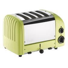 sur la table toaster dualit lime green newgen 4 slice toaster sur la table