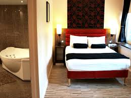 Comfort Inn Waterloo Comfort Inn London London Book On Travelstay Com