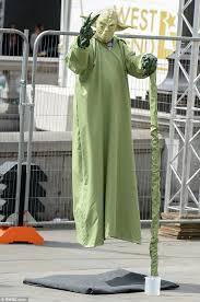 Trafalgar Square Street Performers Dressed Star Wars U0027 Yoda