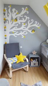 guirlande lumineuse chambre bebe guirlande lumineuse dans une chambre de bébé aux tons jaunes et