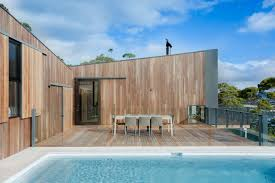 House Beach by Australian Beachfront Willow Home Boasts Solar Panels And