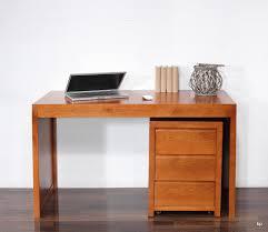 bureau contemporain bois massif bureau contemporain en merisier accompagné de caisson de 3