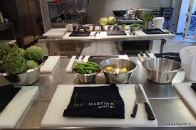 un cours de cuisine à l atelier martin autour des recettes du