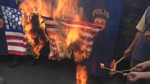 Illegal To Burn American Flag Filipinos Burn Mock American Flag Outside Us Embassy Youtube