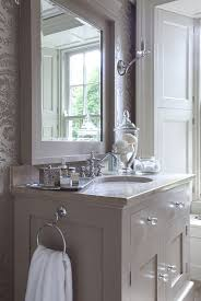 Bathroom Wallpaper Ideas 95 Best Bathrooms Small Big Style Images On Pinterest
