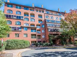 find your perfect penthouse or luxury condo in the metro dc area