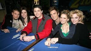 one tree hill s support cast accusing creator