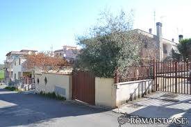 in vendita roma est zona roma est villaggio prenestino castelverde di lunghezza