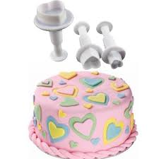 How To Decorate Heart Shaped Cake Heart Shaped Cake Cutters Heart Shaped Cookie Cutters Bulk From 0