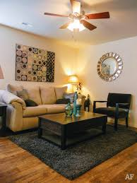 One Bedroom Apartments In Carbondale Il Pet Friendly Apartments In Carbondale Find Pet Friendly