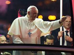 trump pope francis pope francis disses donald trump u0027governments exist to protect