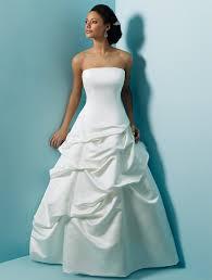 wedding dress no budget wedding dresses for curvy brides saveonthedate